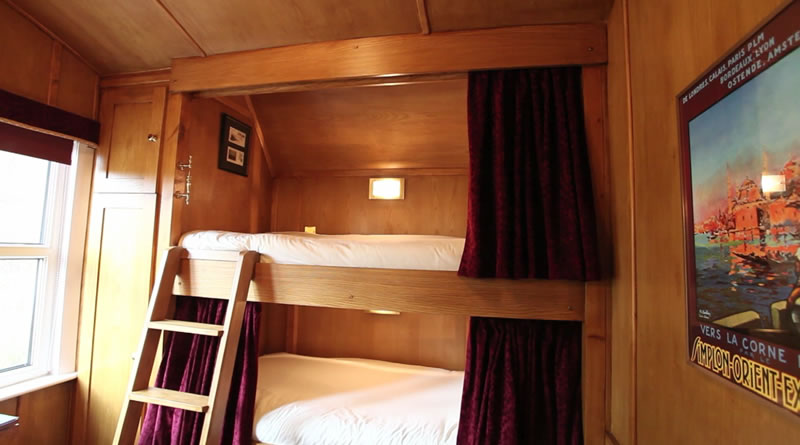 Accommodation bed and breakfast rooms for Bedroom expressions